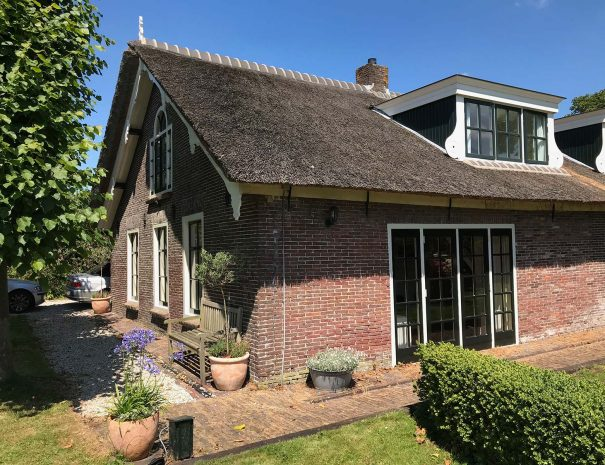 Voorgevel van de bed & breakfast genaamd The Dutch Farmhouse